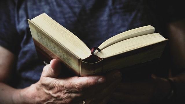Christian read bible
