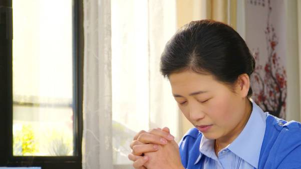Christian is pray to God, Prayer to heal my Daughter,